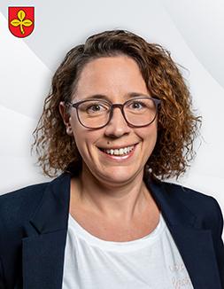 Frau Johanna Lindenblatt